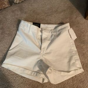 BRAND NEW W/ TAGS H&M HIGH WAISTED SHORTS